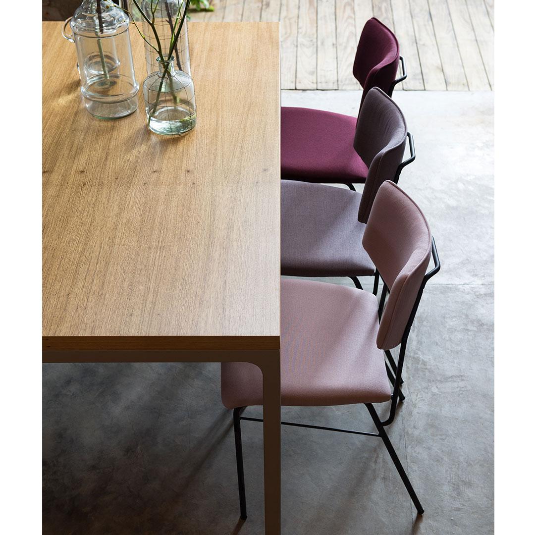Foto1-a-mesma-cadeira-serve-para-a-mesa-de-jantar
